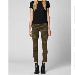 Blank NYC The Reade Crop in Camo Print NWT Size 27